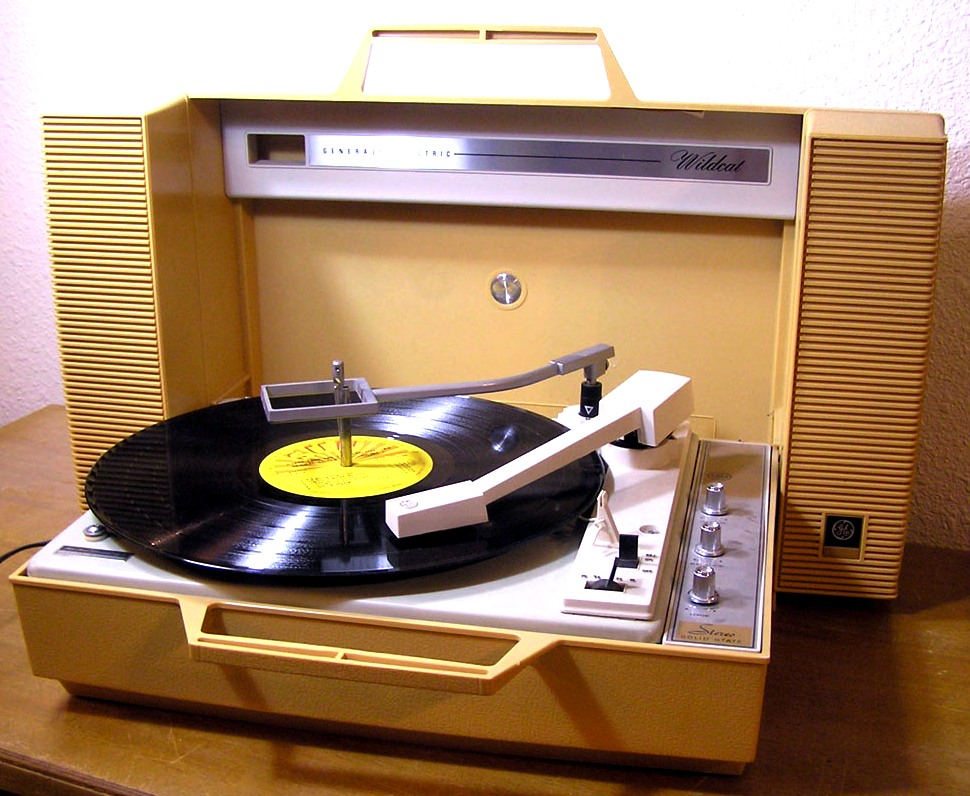 General Electric Portable Record Player Indiestardust